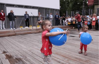 Несколько тысяч московских семей вышли на «Семейную прогулку» в парк Сокольники»