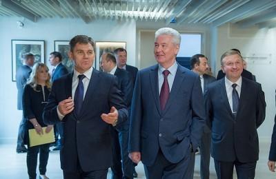 Сергей Собянин отметил, что за последние два года Москва закупила около полутора тысяч белорусских тракторов для жилищно-коммунального хозяйства