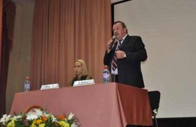 Встреча префекта ЮАО Алексея Челышева с жителями прошла в районе Нагатино-Садовники