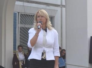 Директор образовательного комплекса №1375, депутат муниципального округа Нагатино-Садовники Наталья Михарёва в этом году отмечает 20-летие работы в районе