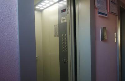 Более двух тысяч лифтов заменили в московских домах в 2015 году