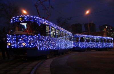 Новогодний трамвай будет курсировать по Бульварному кольцу мимо старинных домов и усадеб столицы