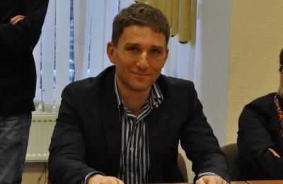 Депутат муниципального округа Нагатино-Садовники Александр Варшавский прокомментировал инициативу властей о введении платных парковок