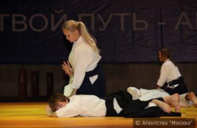 В спортивном клубе боевых искусств «Сибирский барс» прошел мастер-класс по женской самообороне