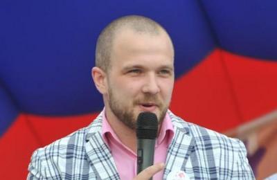 На фото председатель молодежной палаты района Нагатино-Садовники Борис Поткин