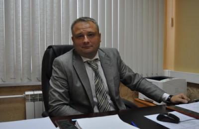 На фото глава управы Сергей Федоров