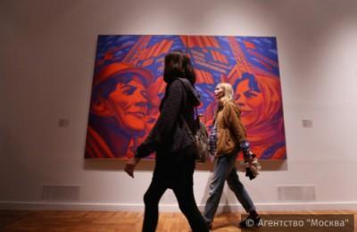"""На фото посетители акции """"Ночь в музее"""" в Третьяковской галерее"""