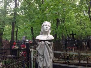 На фото Введенское кладбище