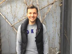 Артист театра и кино Вячеслав Манучаров присоединился к акции Моя Победа, которая проходит в ЮАО Москвы