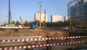 Строительство ведется на пересечении Нагатинской улицы с проспектом Андропова