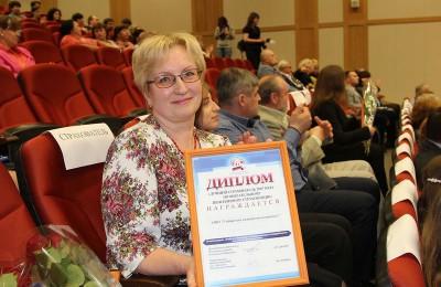 На фото представитель компании «Сибинтек» в Донском районе Марина Воробьева