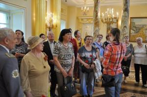 В День Победы для ветеранов Южного округа организовали экскурсию в музее-заповеднике Царицыно