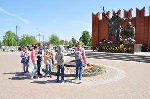 Участники конкурса социальных плакатов побывали в Ленино-Снегирёвском военно-историческом музее