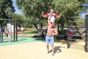 На фото уличные спортсмены из ЮАО