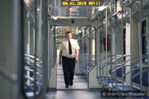 У новых поездов широкий дверной проём, улучшенный салон, а также сквозной проход через все вагоны