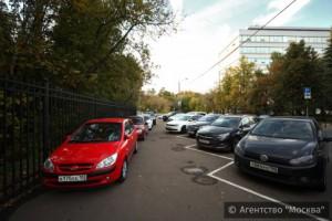 В праздничные выходные автомобилистам не придется платить за парковку на столичных улицах