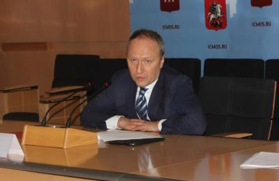 По словам Бочкарева, в этом году в столице будет построено и реконструировано 90 км дорог