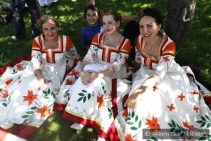 Гостей фестиваля познакомят с самобытным искусством мастеров и художников народных промыслов