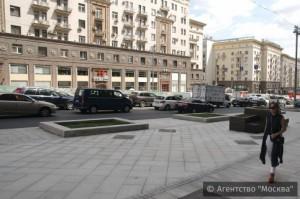 На Тверской в ЦАО Москвы расширили пешеходную зону