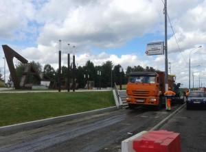 На проспекте Андропова расширяют пешеходную зону и укладывают новый асфальт