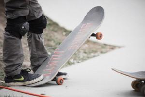 Спортсмены будут демонстрировать разные стили катания на доске и экстремальные трюки в скейтпарке