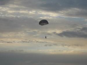 Все, кто прыгал с парашютом, твердят одно: это ни с чем не сравнимое ощущение свободы