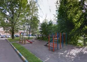 Теперь жизни и здоровью  играющих на детской площадке ничто не угрожает