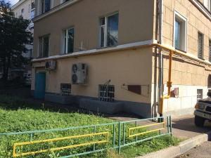На фото обновленный фундамент дома на Нагатинской улице