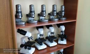 Новым медицинским оборудованием оснастили профильные классы столичных школ