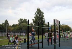 Горожане высказались в пользу расширения во дворе дома №6 спортивной зоны с тренажерами