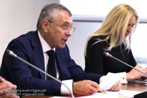 По словам Воробьева, с октября в Москве начнут работать центры тестирования