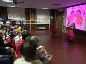 Перед зрителями выступили юные участники вокальных и танцевальных коллективов
