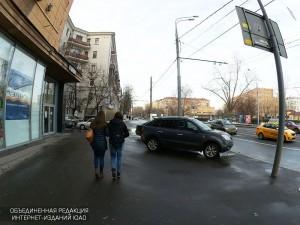 Движение транспорта ограничат на двух улицах Южного округа из-за продления сроков реконструкции инженерных сетей