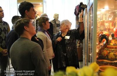 Программа включала в себя обзор исторических и архитектурных памятников, а также посещение музеев