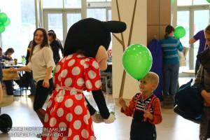 Префектура Южного округа для детей и взрослых организовала благотворительный праздник в торговом центре на Каширском шоссе