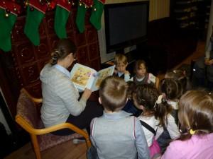Чтение детских сказок в библиотеке №159