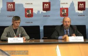 На фото главный специалист по проблемам ВИЧ-инфекции Департамента здравоохранения столицы Алексей Мазус (справа)