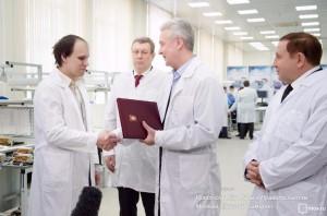 Сергей Собянин в ходе посещения научно-производственного предприятия Салют