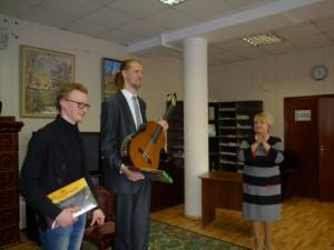 Максим Кириков и Никита Баловнев в библиотеке №159