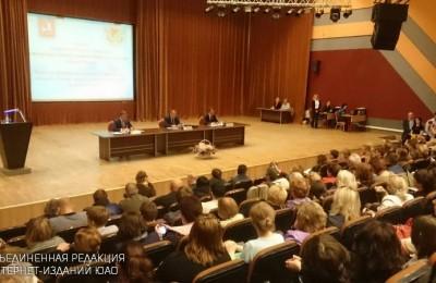 Префект Алексей Челышев ответил на вопросы жителей округа по реновации
