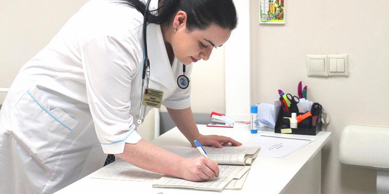 Оформить медсправку для школы в Москве можно в любой день до 11 сентября
