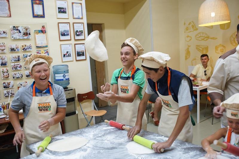 Юные пиццамейкеры
