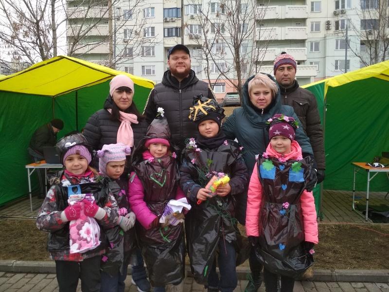Депутаты муниципального округа приняли участие в общегородском субботнике