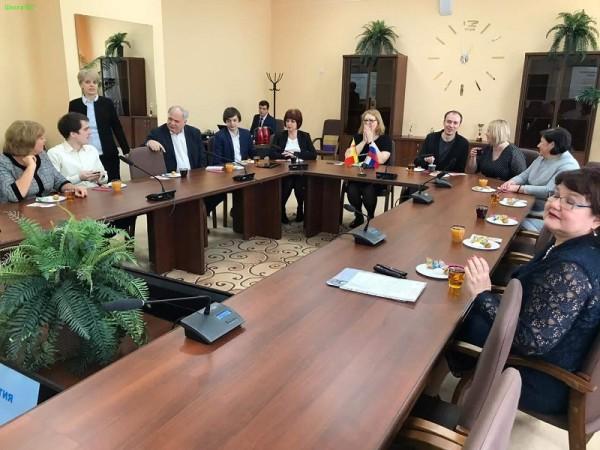 Слет административных команд по обмену «премудростями» школа № 507 познакомилась с воронежской системой образования