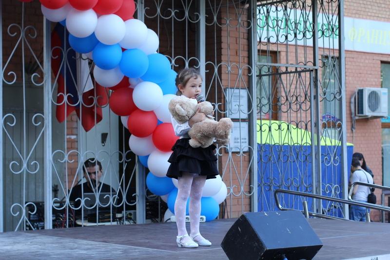 День Победы в Нагатине-Садовниках отметили живой музыкой