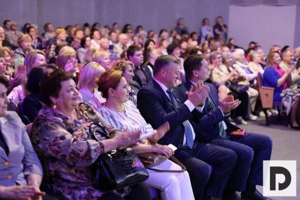 Активистам вручили юбилейные награды в честь 25-летия Мосгордумы