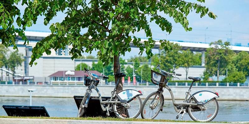 По району на велосипеде: в Нагатине-Садовниках появляются новые станции городского велопроката