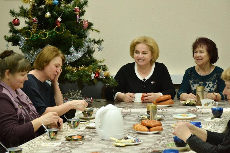 Любовь Духанина, депутат, Государственная Дума ФС РФ, РОЗ, Российское общество «Знание», Новый год