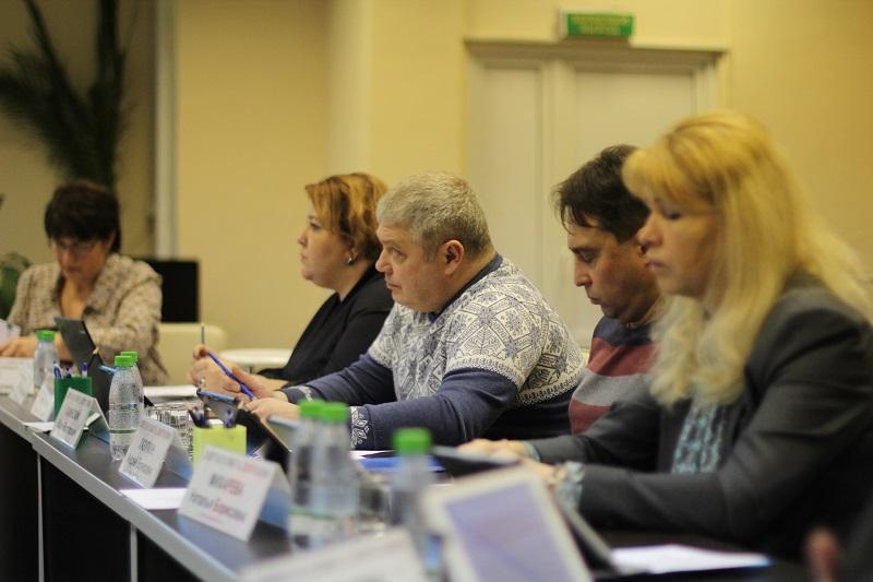 Муниципальные депутаты инициировали обращение в правительство Москвы об организации движения грузовиков по улицам Нагатина-Садовников