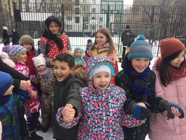 Юлия Кроль, школа 504, здание «Каширское», ярмарка, праздник